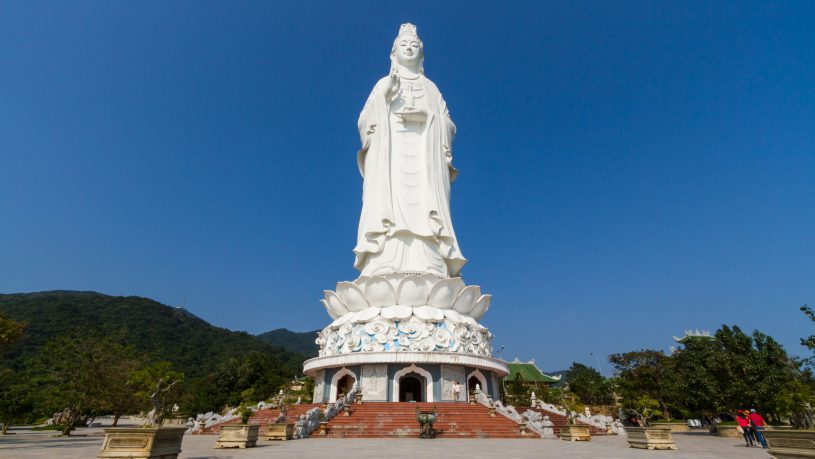 linh-ung-pagoda-spiritual-tourist-attraction-on-son-tra-peninsula (4)